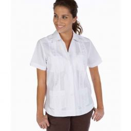 81fe7a43 Chacabana Camisa elegante. Women Guayabera With Embroidery Detail